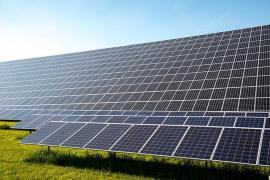 Atlantica refinancia dos plantas solares con un bono de 326 millones de euros