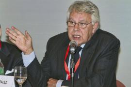 Felipe González contrae matrimonio con Mar García Vaquero