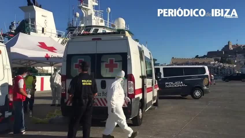 Rescatada una barca de inmigrantes a punto de hundirse en Formentera