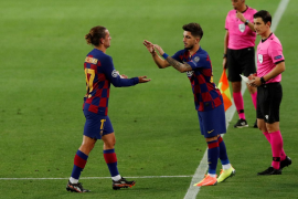 El Barça gana y se cita con el Bayern en la gran noche del mallorquín Monchu