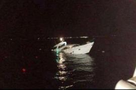 El Formentera Jet rescata a 17 náufragos en es Freus