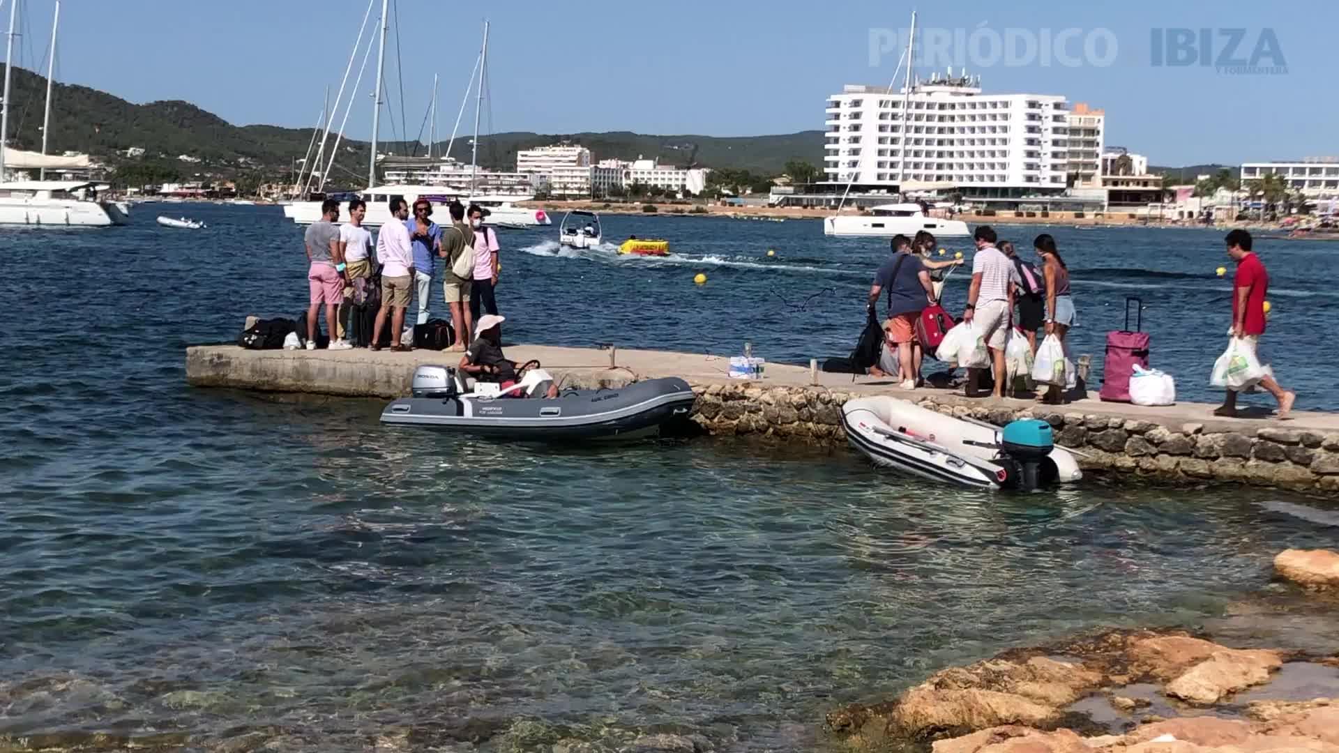Salvem Sa Badia denuncia la presencia de charters ilegales en el muelle de S'Estanyol y el fondeo sobre posidonia