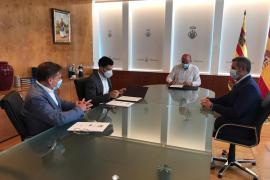 El Consell d'Eivissa y Fomento del Turismo firman un convenio por un importe de 150.600 euros
