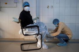 Argentina y México anuncian que fabricarán para América Latina una vacuna británica contra la COVID-19