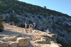 Los turistas siguen visitando la zona del incidente. (Fotos: Renato Steinmeyer)