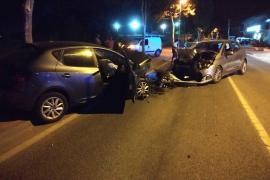Tres heridos en Sant Antoni en un choque frontal con un conductor positivo en alcohol