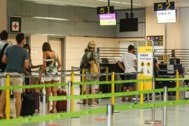 El aeropuerto de Ibiza operará 662 vuelos este fin de semana