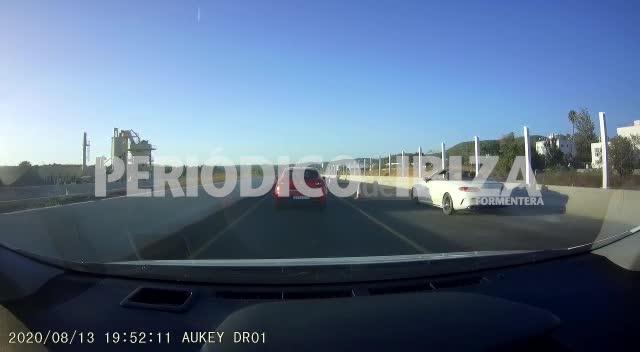 Adelantamientos peligrosos e ilegales en la nueva carretera de Santa Eulària