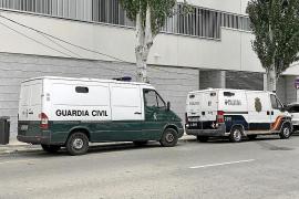 Detenido por golpear violentamente a su pareja en el interior de su coche en Sant Josep