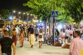 Las mejores imágenes del sábado por la noche en el puerto de Ibiza.