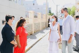Letizia luce un vestido de la diseñadora ibicenca Charo Ruiz