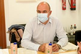 Vicent Marí lamenta la «catarata de noticias negativas» tras las decisiones de touroperadores y países emisores