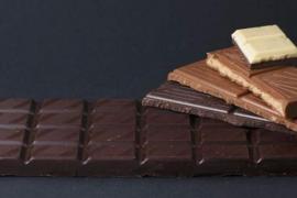 Un fallo en una fábrica produce una lluvia de chocolate