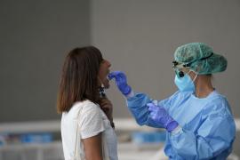 El PP cuestiona si hay «stock suficiente» de pruebas PCR en Baleares