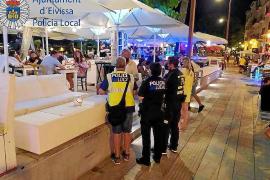 La Policía Local cierra nueve locales de copas de Ibiza tras una inspección