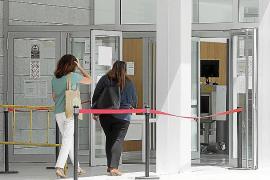 Juzgados mantienen los traslados de detenidos pese al positivo de un agente