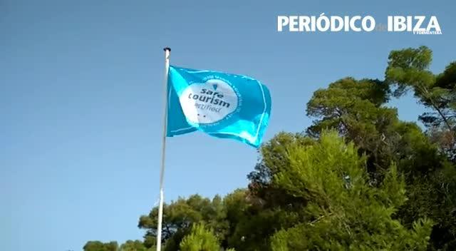 Sant Antoni iza la bandera de 'Safe Tourism Certified'
