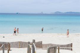Formentera cancela todo tipo de ocio nocturno y fiestas