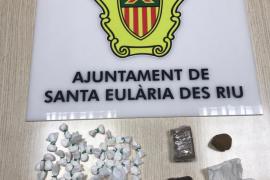 Cazados en Santa Eulària con 54 dosis de cocaína y hachís en una zona polideportiva