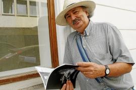 La 'trinidad' ibicenca de Antonio Colinas