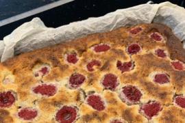 Un toque diferente y clave para una espectacular tarta de quesos, nueces y frambuesas