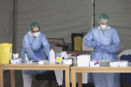 Una veintena de profesionales sanitarios de las Pitiusas están contagiados de covid