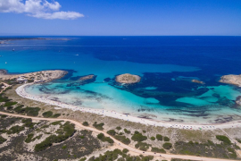 Formentera apela a sus empresarios para alargar los meses de trabajo para los residentes