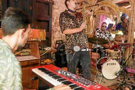 Pere Navarro y Franco Botto aderezan con jazz las cenas de los martes en Pikes