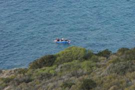 Detenidos 12 inmigrantes llegados en patera a Formentera