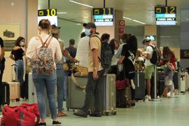 Las pernoctaciones en apartamentos turísticos caen un 80% interanual en Baleares en julio