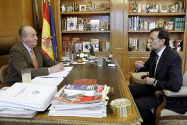 El Rey y Rajoy tratarán sobre ajustes económicos en su primera reunión en Marivent