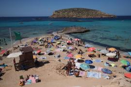 Ibiza se suma a los destinos que regalan vacaciones a los sanitarios europeos