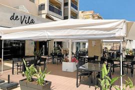 Carnes y pescados a la brasa en el centro de Ibiza
