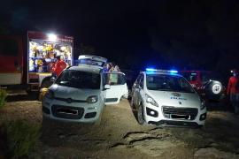 La Policía de Sant Antoni rescata a tres hombres que se habían perdido en la Cueva de la Luz