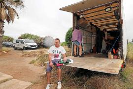 «Mi casa está ahora metida en un camión, otros no tuvieron cómo llevarse los muebles»