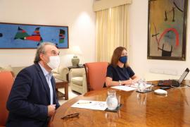 Sánchez pide a las CCAA que no cierren colegios sin consultar con Sanidad