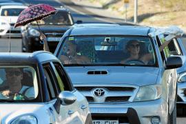 Una caravana de 'antimascarillas' recorre las carreteras de la isla