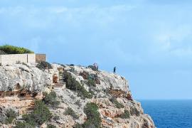 Un hombre de avanzada edad fallece en Formentera tras precipitarse por un acantilado