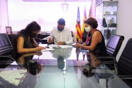 Sant Antoni y la Asociación de Adultos firman el convenio de colaboración para el curso 2020-2021