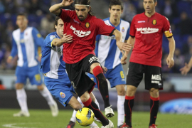 Mallorca y Espanyol se enfrentan en su debut en liga pendientes del mercado