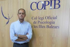 El COPIB reclama medidas protectoras para la detección precoz de personas con riesgo de conducta suicida
