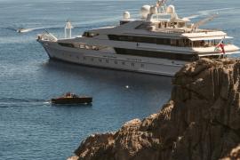 Cuatro positivos de los 21 tripulantes del yate de la familia real catarí en Palma