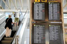El Banco de España dice que agencias de viajes, hoteles y aerolíneas solo han recuperado la mitad del empleo