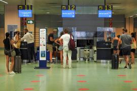 El aeropuerto de Ibiza operará 437 vuelos este fin de semana