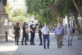 Las prohibiciones y la Policía espantan a los 'antimascarillas' de sa Graduada
