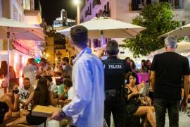 La Policía Nacional continúa con los filtros de control en el puerto de Ibiza