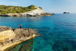 El Ministerio y el Govern renuevan el convenio para la gestión conjunta de las reservas marinas de Baleares