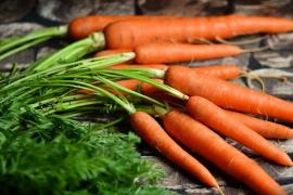 Cinco alimentos con los que mantener unos días más el bronceado de verano