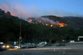 'Carraca' destaca la contradicción de la fiesta de los tambores y el encendido de fuegos en Benirràs