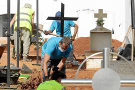 Exhumación de la fosa de Eivissa